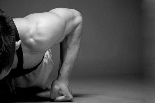 отжимания от пола: программа популярного упражнения