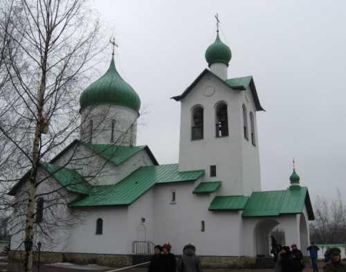 средняя зарплата няни в детском саду в москве и других городах россии в 2019 году